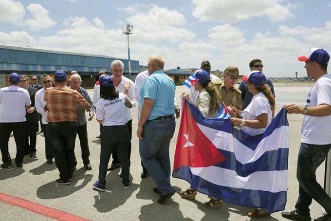 Felicitó Raúl a la delegación cubana que asistió a la VIII Cumbre de las Américas