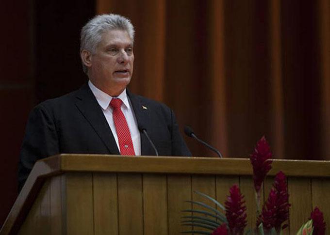 Miguel Díaz-Canel: Asumo la responsabilidad con la convicción de que todos los revolucionarios seremos fieles a Fidel y a Raúl (+ video)