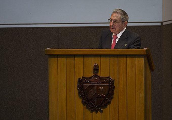 Raúl Castro: Nuestra arma más importante, la unidad de los revolucionarios y el pueblo (+ video)