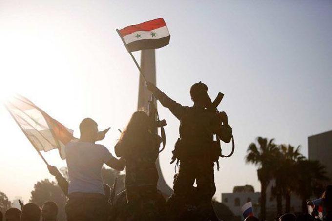 Los sirios salen a las calles a condenar la agresión y festejar fracaso imperial