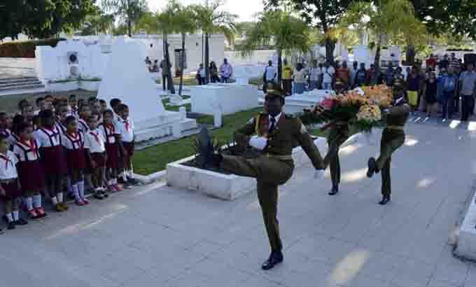 Rinden tributo al patriota Guillermón Moncada en Santiago de Cuba