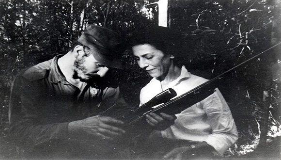 Homenaje a la Flor de la Revolución