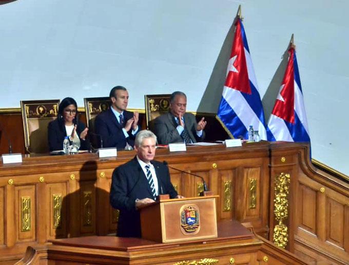 Presidente cubano destaca victoria del pueblo venezolano (+ fotos y videos)