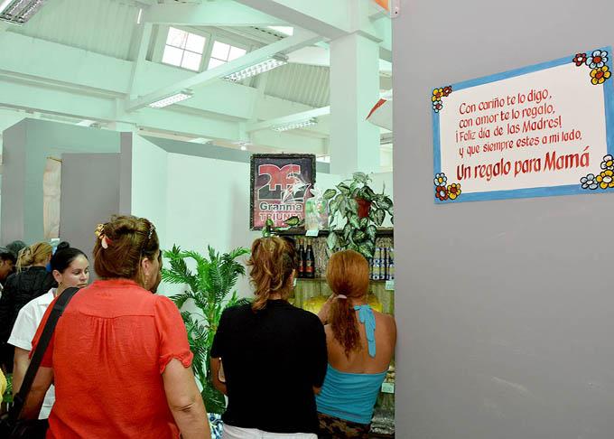 Inauguran  feria comercial Regalo para mamá en Expo Granma (+fotos)