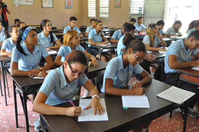 A las puertas exámenes de ingreso a la Universidad
