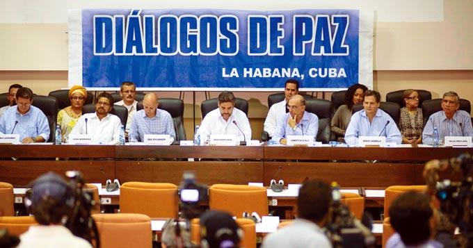 Reanudan hoy diálogos de paz gobierno colombiano y el ELN
