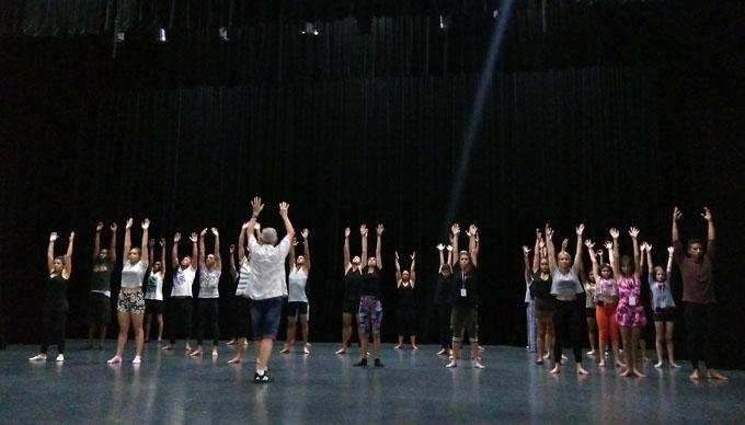 Un taller a favor del teatro de títeres (+ fotos)