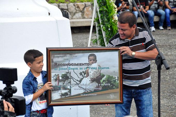 Un niño símbolo de amor a Martí y Cuba