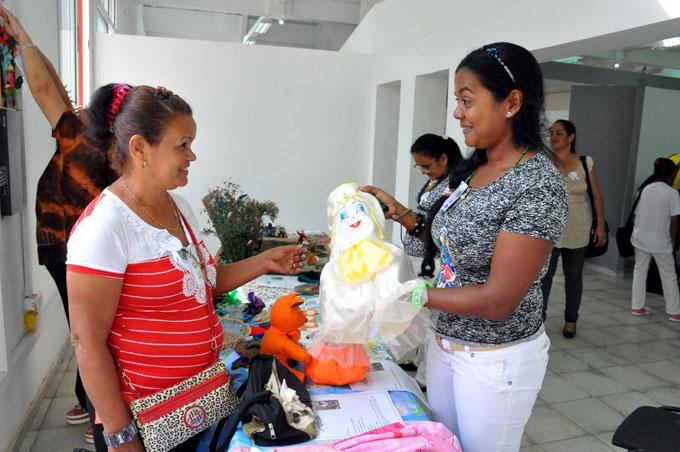 Sesionó en Bayamo Evento provincial de Mujeres Creadoras
