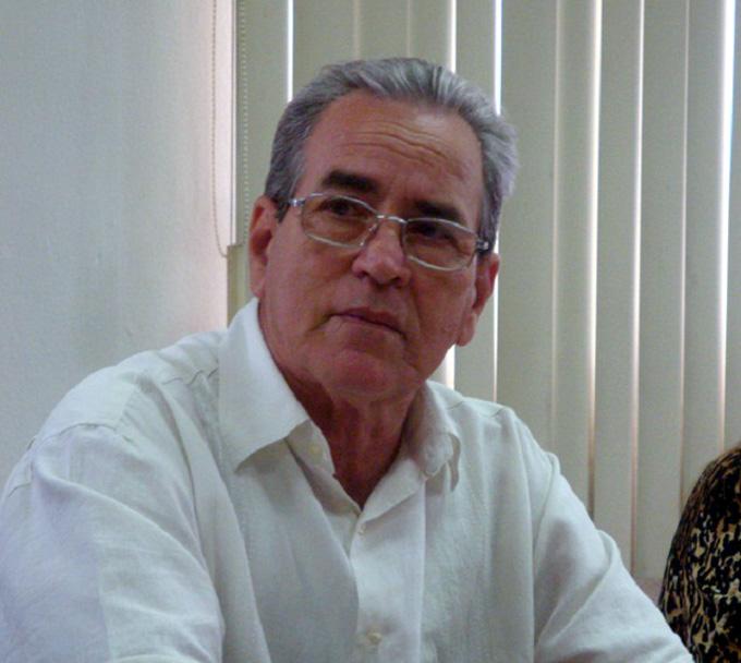 Ministro cubano se reúne con presidente de universidad de París (+ fotos)