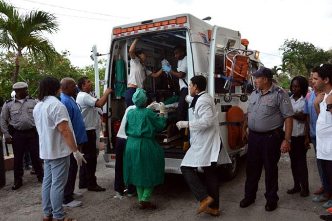 Tres sobrevivientes de accidente aéreo reciben atención médica (+ fotos y videos)