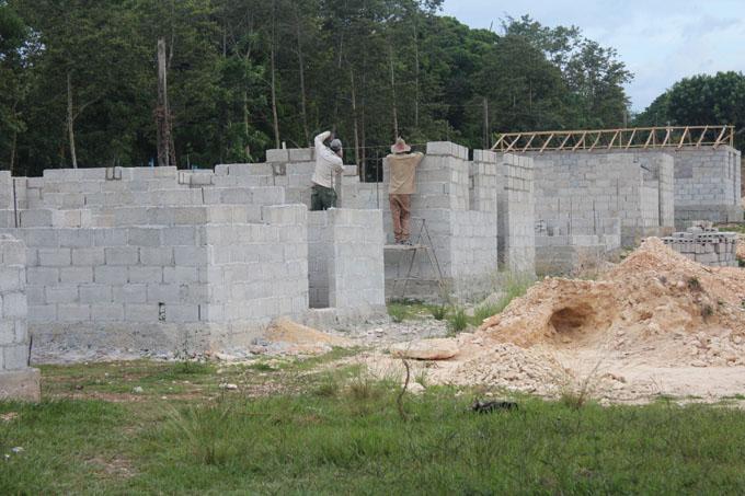 Con buen ritmo estrategia de construcción de viviendas en Guisa