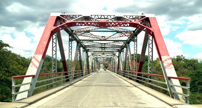 Irregularidades técnicas en el puente de Cauto Cristo
