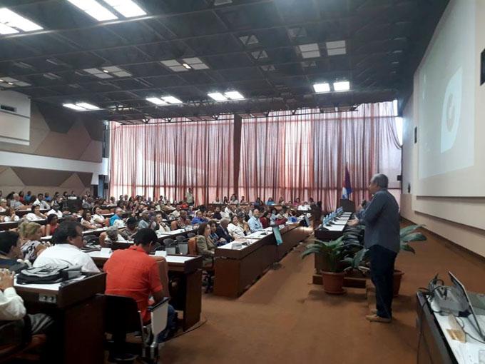 Con entrega de premios, comienza en Cuba festival de comunicadores (+ fotos y video)