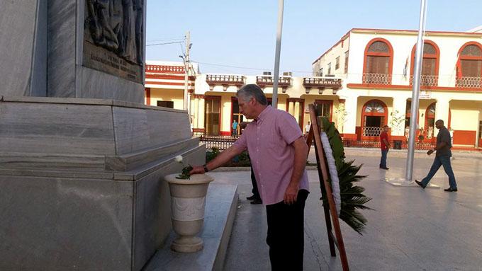 Presidente cubano rinde homenaje a Carlos Manuel de Céspedes, en Bayamo (+ fotos y audio)