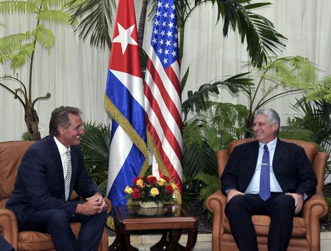 Recibió Díaz-Canel al senador estadounidense Jeff Flake y al presidente de Google