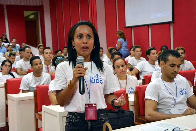 Universitarios de Granma ratifican compromisos con Cuba (+ fotos)