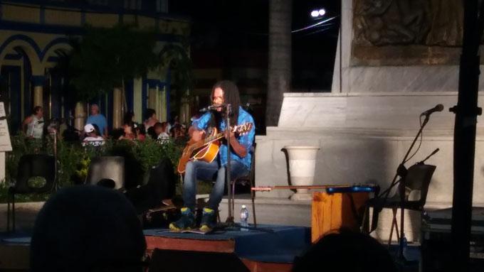 Ofreció Raúl Torres concierto en Bayamo por el Día de los Padres