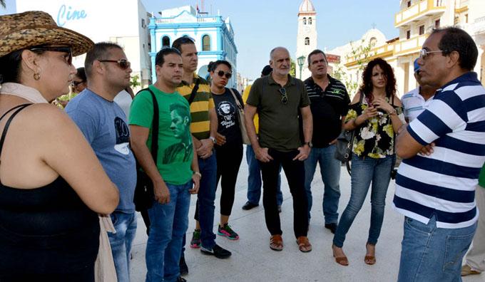 Visitan a Granma corresponsales nacionales de Juventud Rebelde