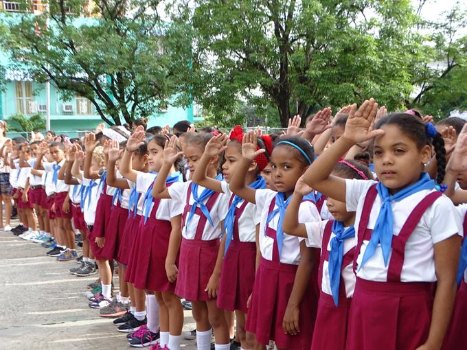 Cambian atributos a pioneros en aniversarios de Antonio Maceo y Ernesto Guevara (+ fotos y audio)