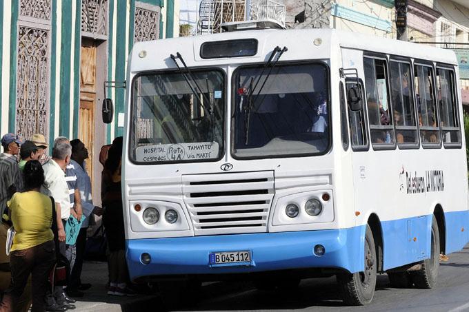 Recibe Granma 16 ómnibus nuevos para transporte de pasajeros