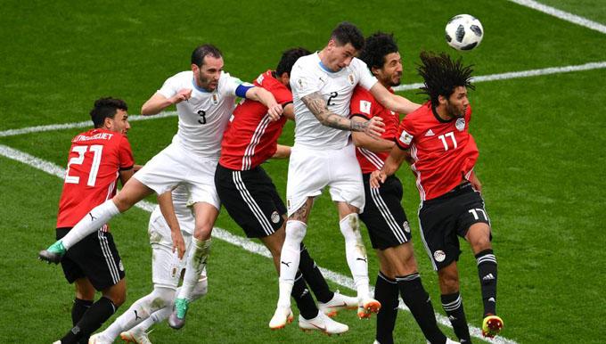 Uruguay debuta con agónica victoria en Mundial de fútbol (+ fotos)