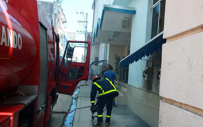 Incendio provoca severos daños a telecomunicaciones al centro de Cuba (+ fotos)