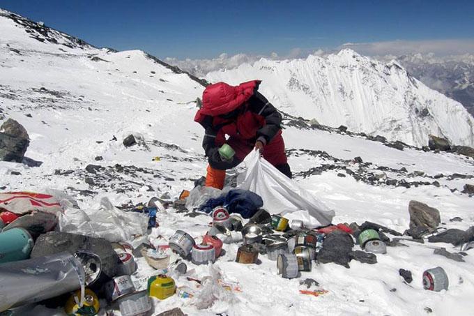 Advierten sobre contaminación en el Everest