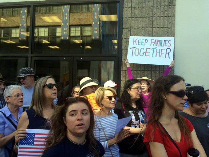 Protestan en EE.UU. contra política de separar familias inmigrantes (+ fotos)