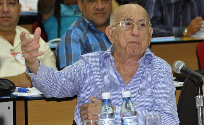 Asiste Machado Ventura a Pleno del Comité Nacional de la UJC