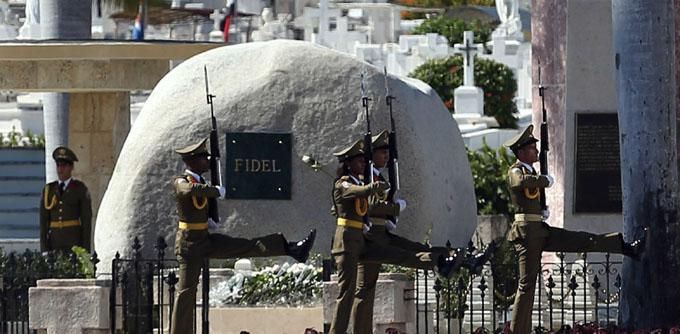 Presidente de la India rinde honores al líder cubano Fidel Castro