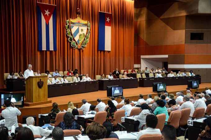 Cierra Cuba primer semestre con discreto crecimiento económico