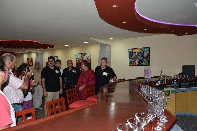 Cyber bar Don Juan, nueva propuesta cultural en Granma (+ fotos)