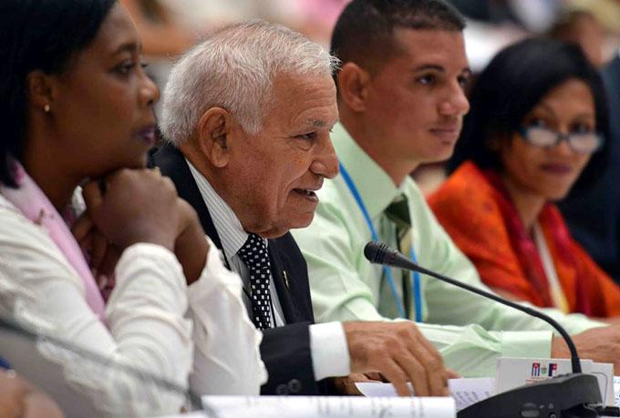 Apoyan diputados cambios en órganos locales del Poder Popular