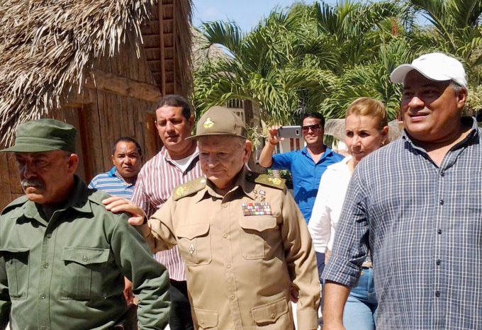 Expresa Comandante de la Revolución cubana confianza en los jóvenes granmenses (+ fotos)