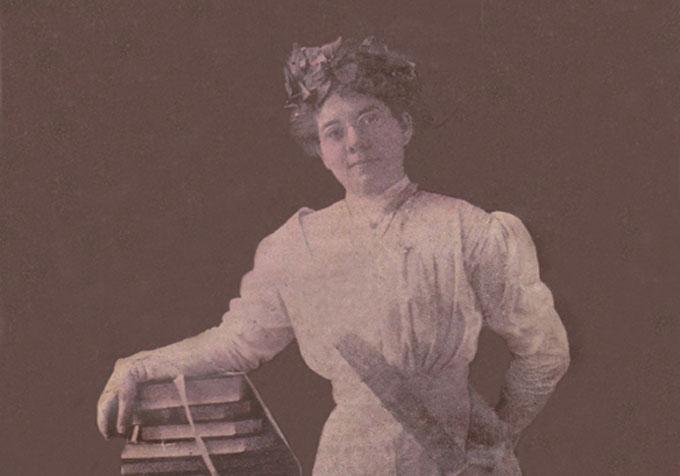 La vida de una poetisa atesorada en nuestro Archivo Histórico Provincial