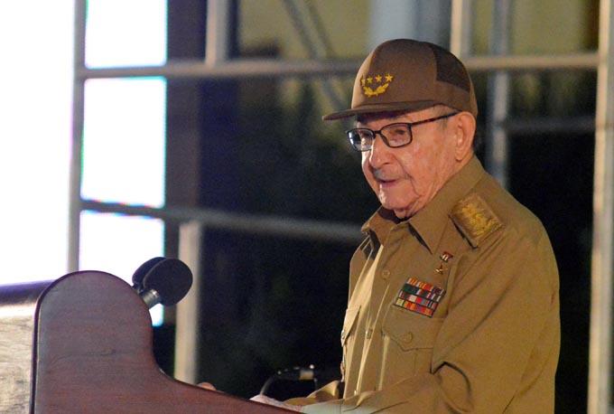 Reitera Raúl este 26 de julio importancia de la nueva Constitución y la consulta popular (+ videos)
