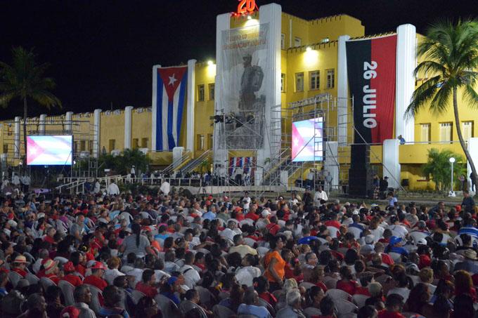 Cubanos defenderán su Revolución, Raúl Castro en Santiago de Cuba (+ fotos y video)