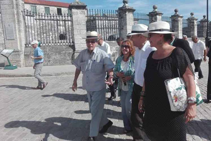 Cuba y Francia estrechan vínculos con visita de canciller le Drian