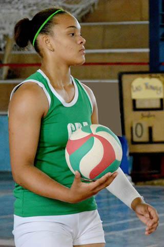 Voleibolistas granmenses por medalla en Juegos escolares