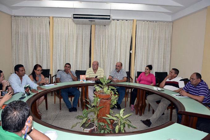 Intercambian delegados al X Congreso de la Upec con autoridades del Partido y el Gobierno