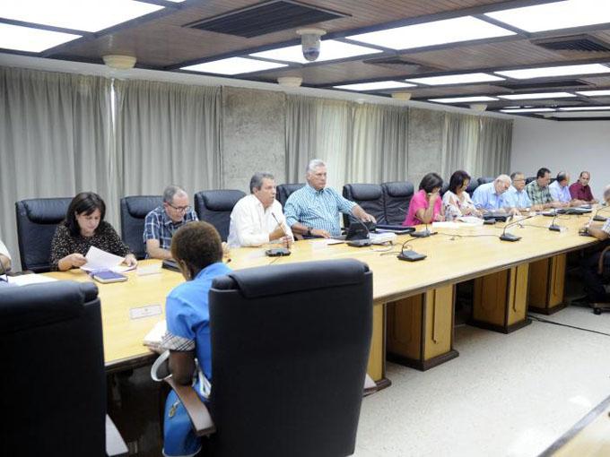Reconoce Díaz-Canel esfuerzo para ofrecer al pueblo un verano superior