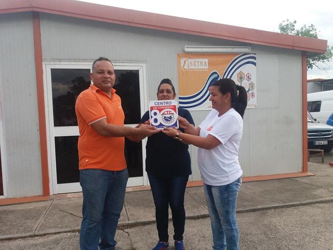 Reconocen a colectivos destacados en Granma