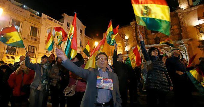 Morales da mensaje por aniversario de Bolivia en medio de protesta opositora