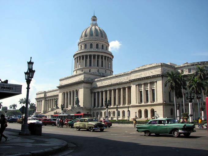 Medidas de Trump perjudican a los cubanos, dice estudio