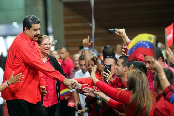 Miles marcharán en Venezuela como respaldo a Maduro