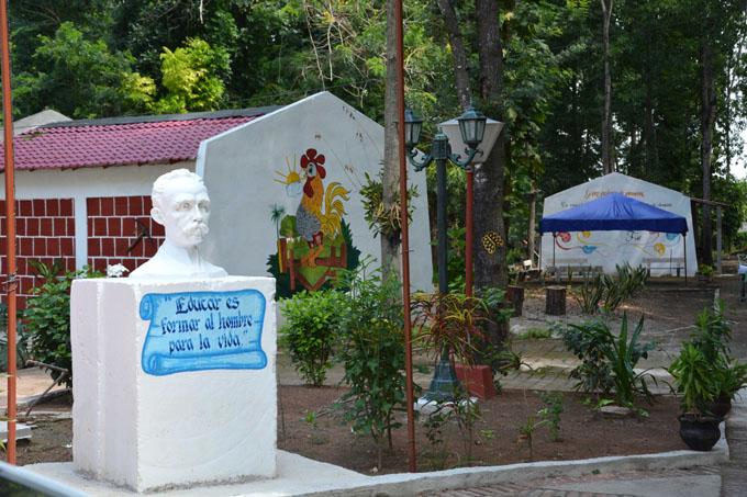 Reparan palacio municipal de pioneros de Jiguaní