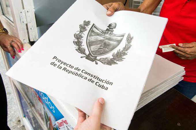 El Proyecto de Constitución ya está en la calle para su estudio