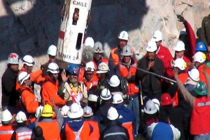 Los 33 mineros de Chile, de la vida real con final feliz