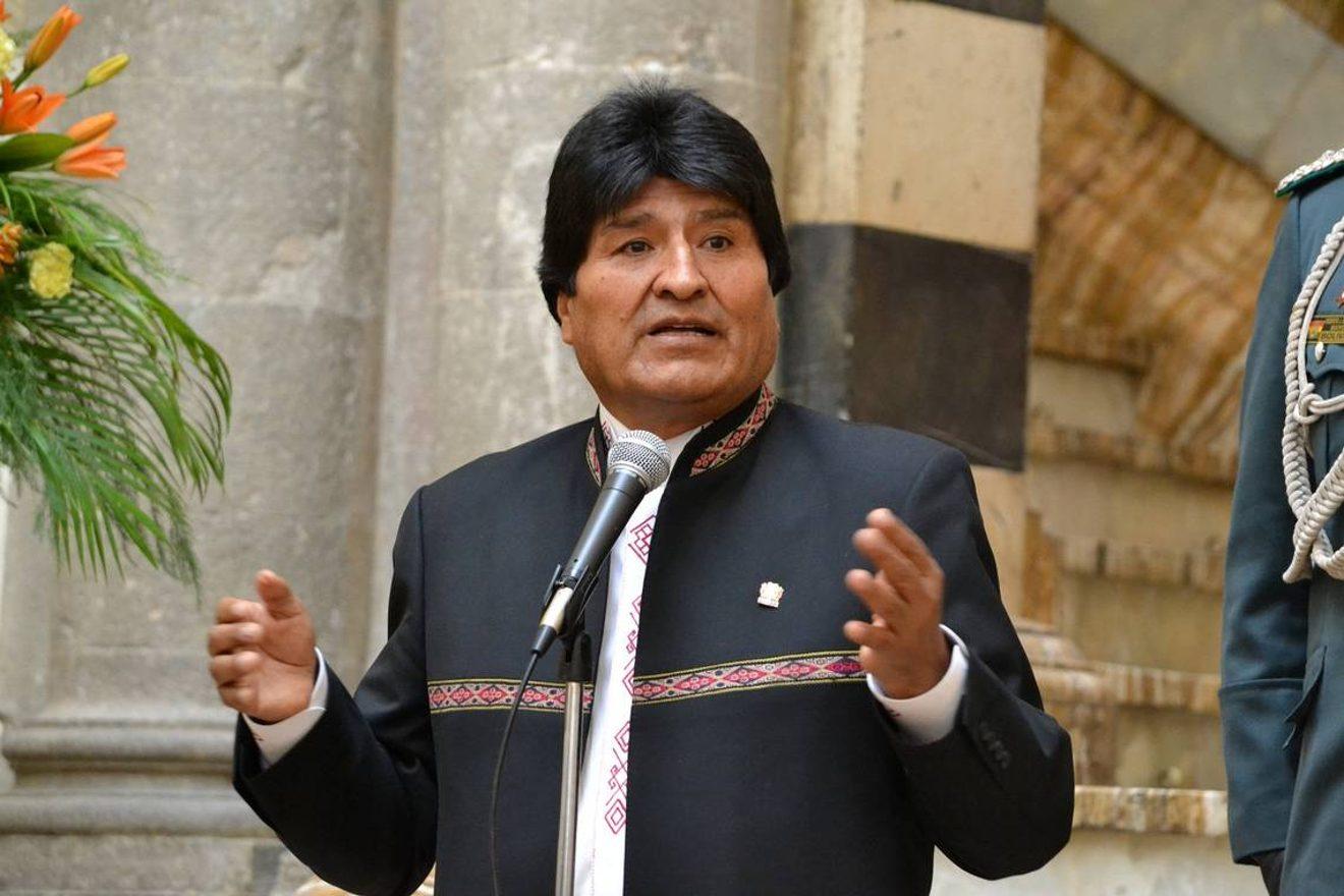 Evo Morales condena incitación de Uribe a intervenir en Venezuela